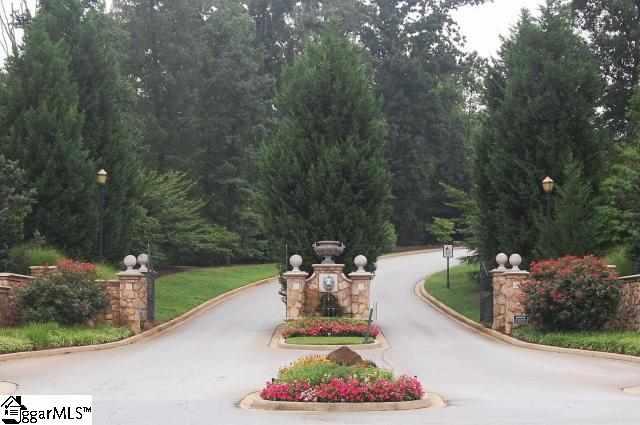 Picture 3 of 305 Arezzo Drive
