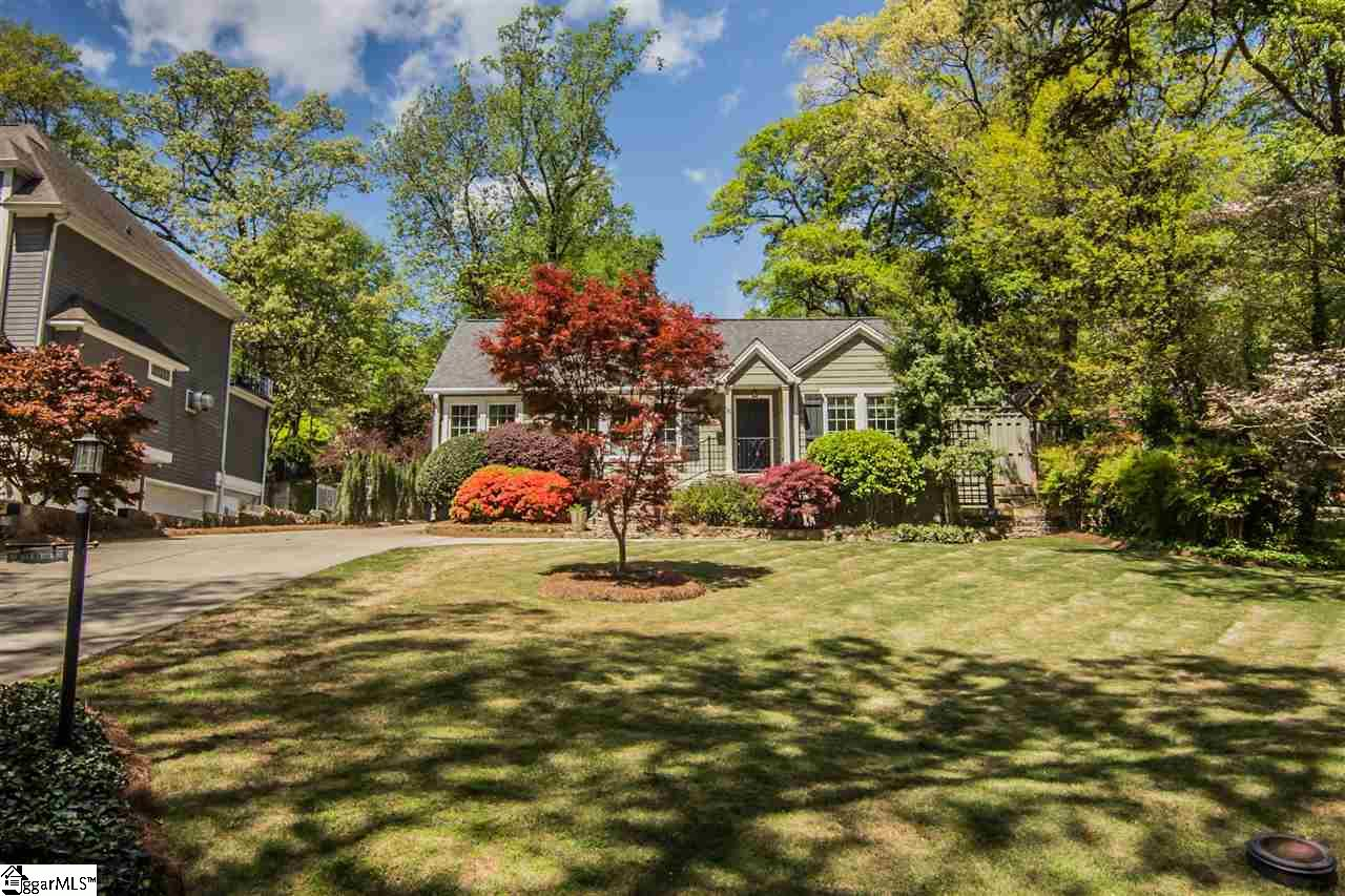 19 rock creek drive is a 3000 square foot home featuring a total of 4 bedrooms two are master suites living room dining room bonus room playroom bonus room playroom office