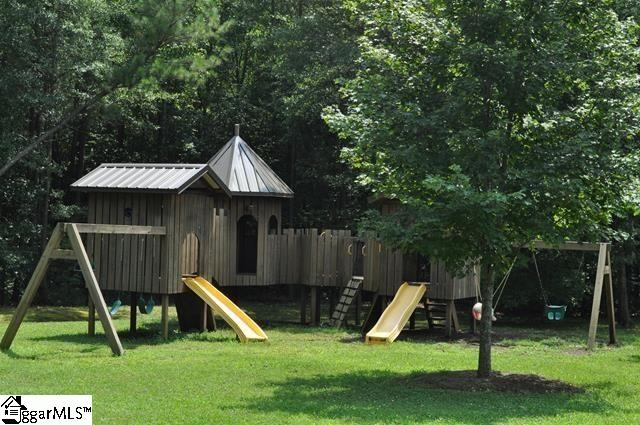 Picture 3 of 155 Cane Creek Way