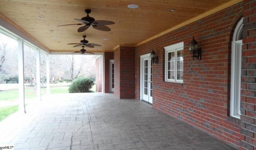 Picture 34 of 213 Keeneland Way