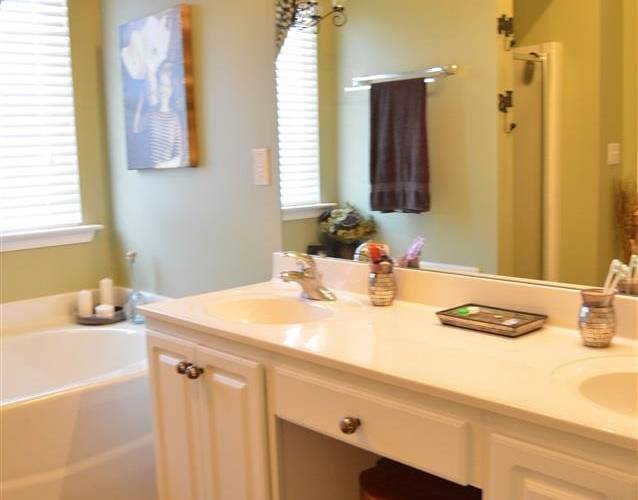 Picture 14 of 112 Birkhall Circle