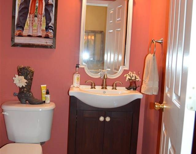 Picture 9 of 112 Birkhall Circle