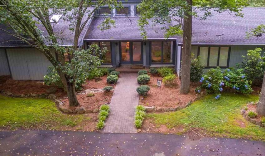 Picture 1 of 113 Oak Meadow Drive