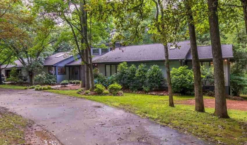 Picture 23 of 113 Oak Meadow Drive