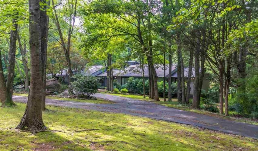 Picture 26 of 113 Oak Meadow Drive