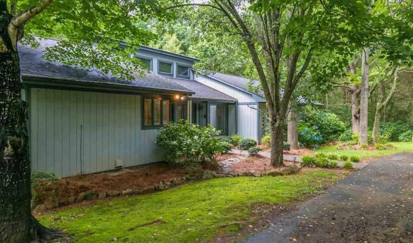 Picture 33 of 113 Oak Meadow Drive