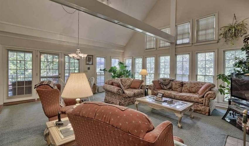 Picture 5 of 100 Glenbriar Court