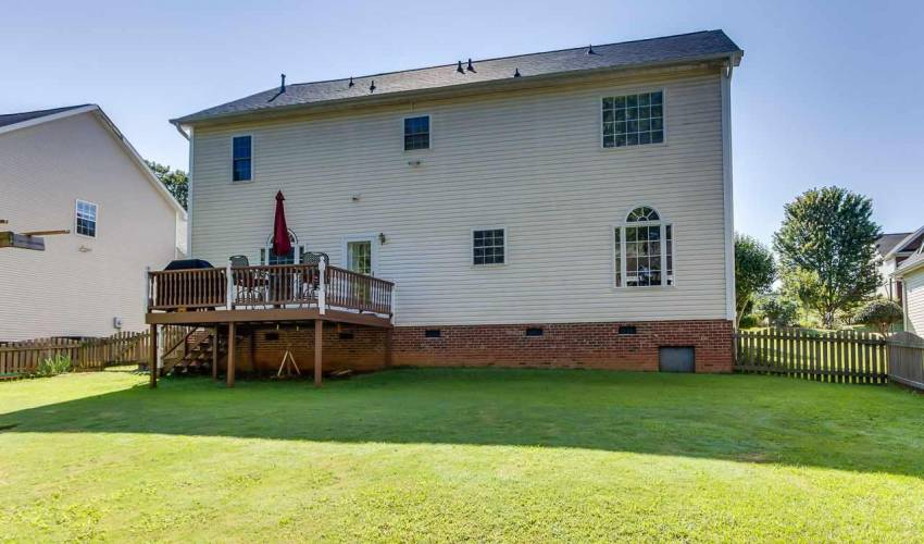Picture 33 of 100 Bushberry Way