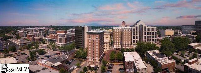 Picture 21 of 111 E Mcbee Avenue