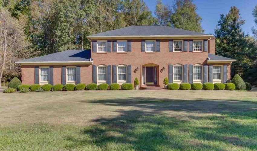 Picture 1 of 226 Oak Meadow Drive