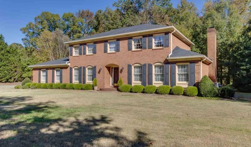 Picture 2 of 226 Oak Meadow Drive