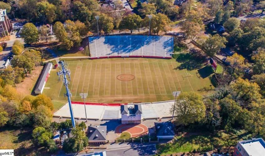 Picture 11 of 502 University Ridge