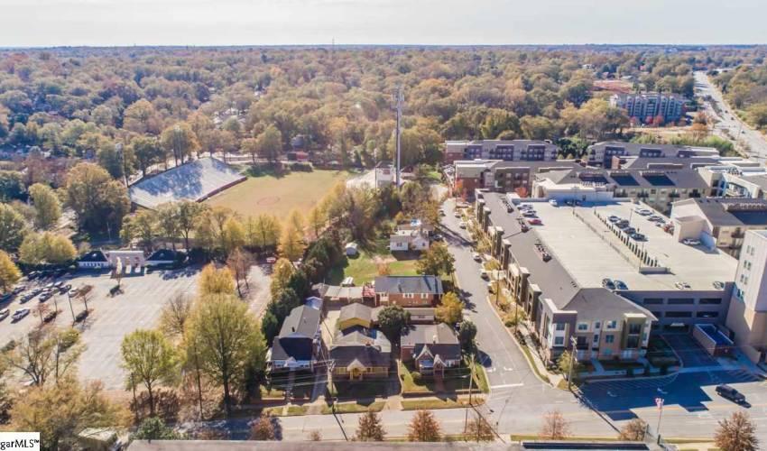 Picture 6 of 502 University Ridge
