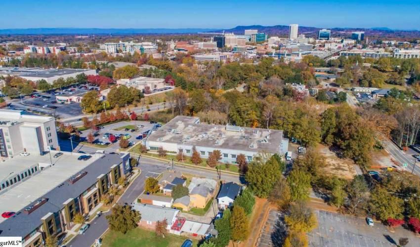 Picture 8 of 502 University Ridge