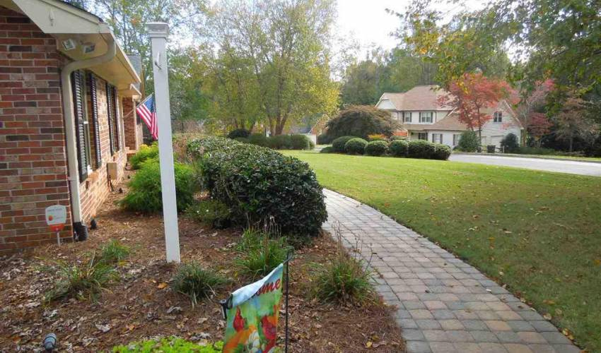 Picture 3 of 205 Honey Horn Drive