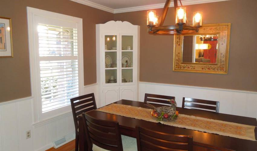 Picture 6 of 205 Honey Horn Drive