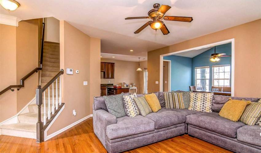 Picture 11 of 328 Amberleaf Way