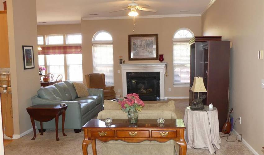 Picture 4 of 16 Promontory Court