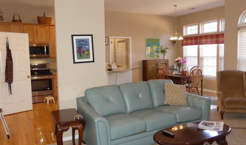 Picture 6 of 16 Promontory Court