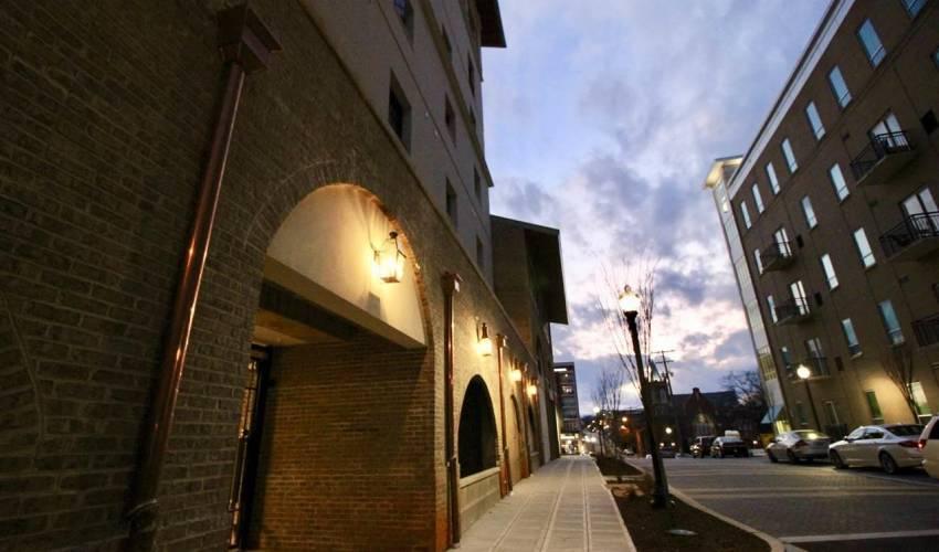 Picture 2 of 121 Rhett Street