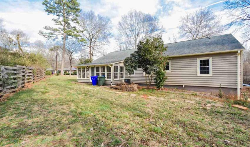 Picture 35 of 125 Dellwood Drive