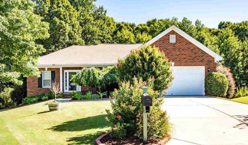 204 Mare Court In Steeple Chase Simpsonville Sc