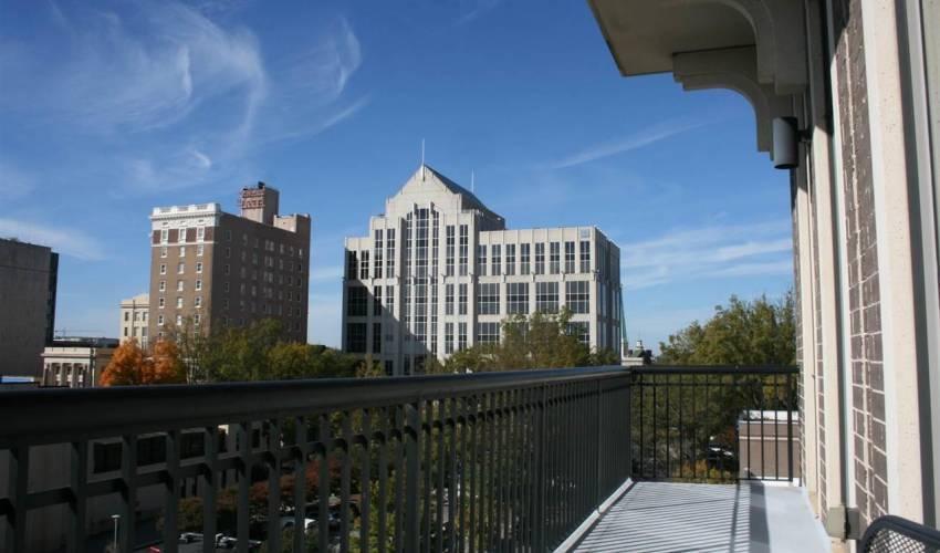 Picture 14 of 111 E Mcbee Avenue
