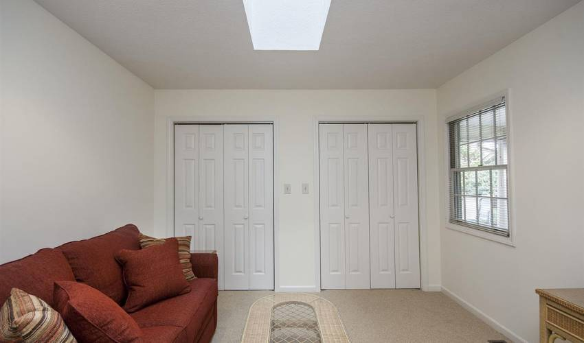 Picture 25 of 408 Swansgate Place