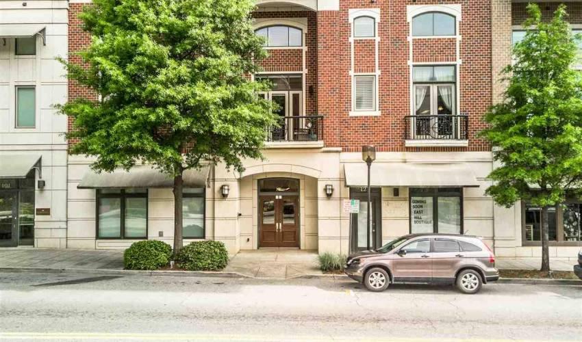 Picture 36 of 111 E Mcbee Avenue