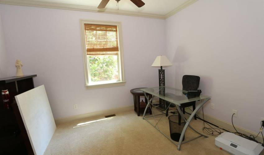 Picture 10 of 5 Thorncliff Court