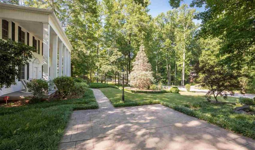 Picture 1 of 402 Brookwood Drive