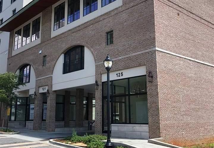 Picture 2 of 125 Rhett Street