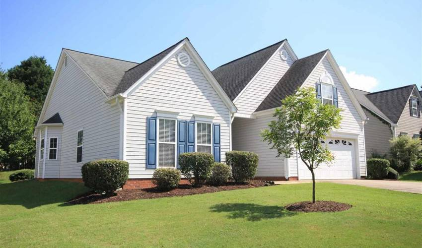 Picture 1 of 122 Lantana Court