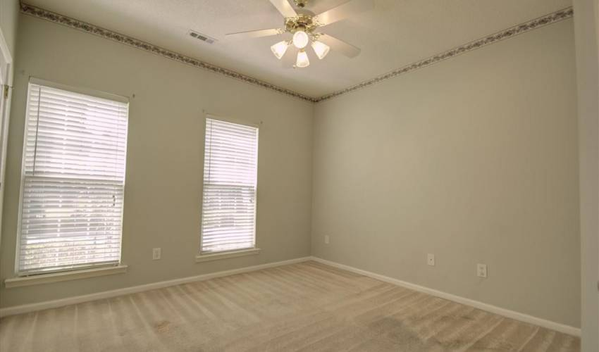 Picture 7 of 122 Lantana Court