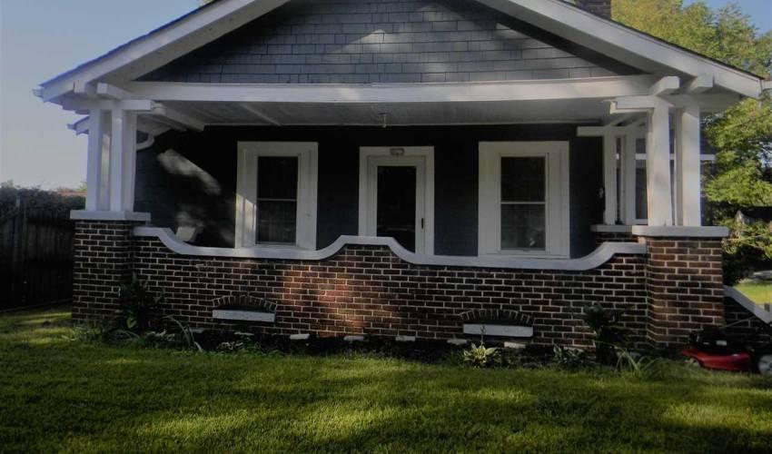 Picture 1 of 607 Hampton Avenue