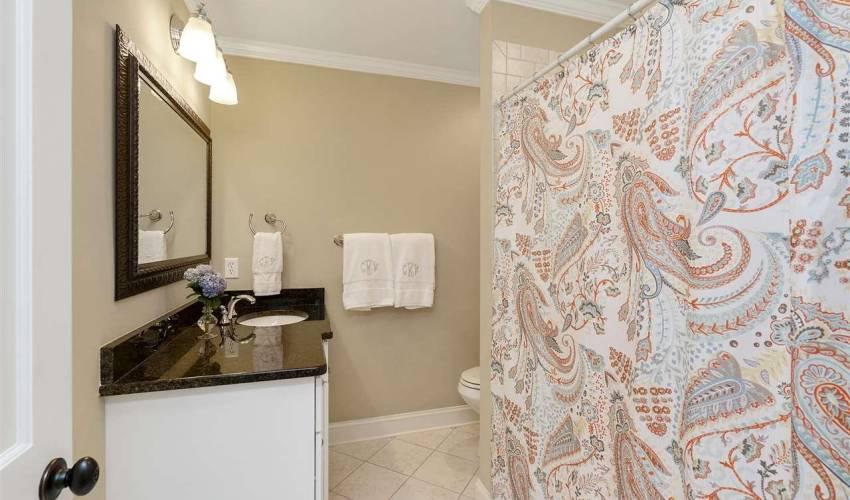 Picture 14 of 405 Longview Terrace