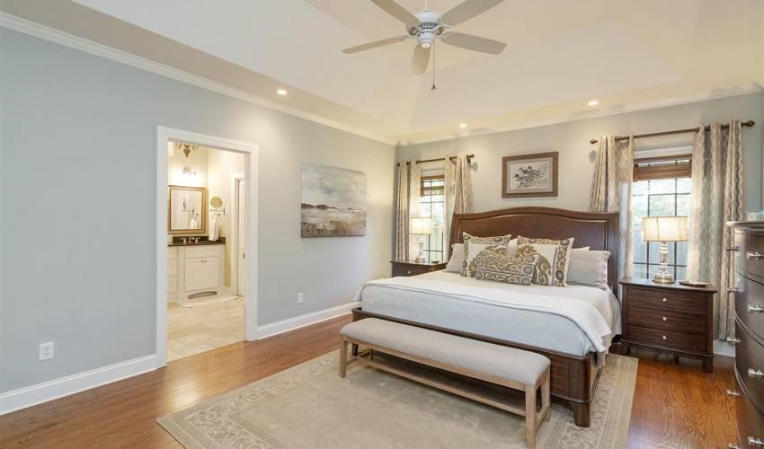Picture 17 of 405 Longview Terrace