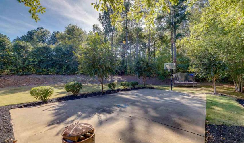Picture 31 of 22 Riverbanks Court