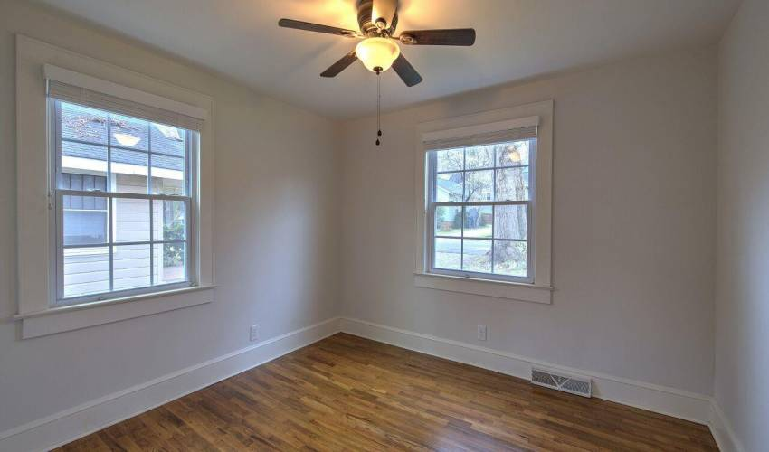 Picture 6 of 112 Whitehall Street