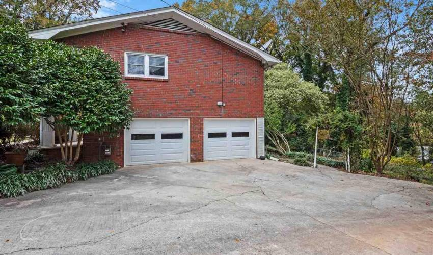 Picture 4 of 202 Melbourne Lane