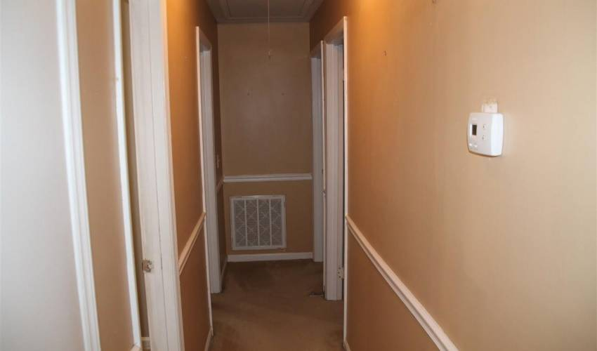 Picture 18 of 954 Fargo Street