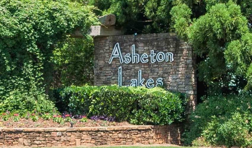 Picture 33 of 304 Asheton Lakes Way