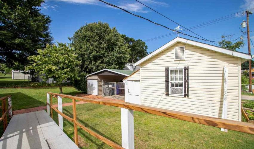 Picture 16 of 35 Blake Street