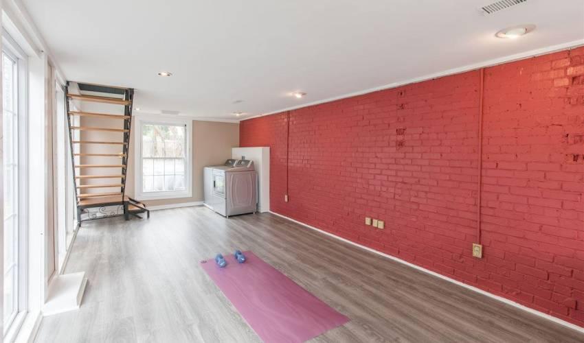 Picture 21 of 420 Longview Terrace