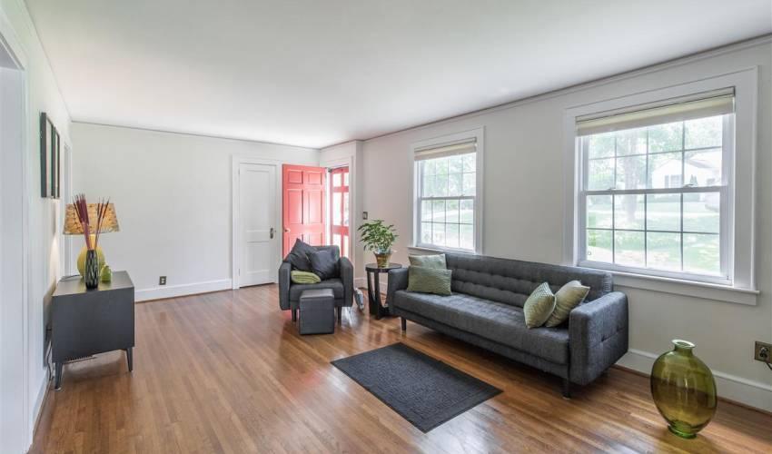 Picture 3 of 420 Longview Terrace