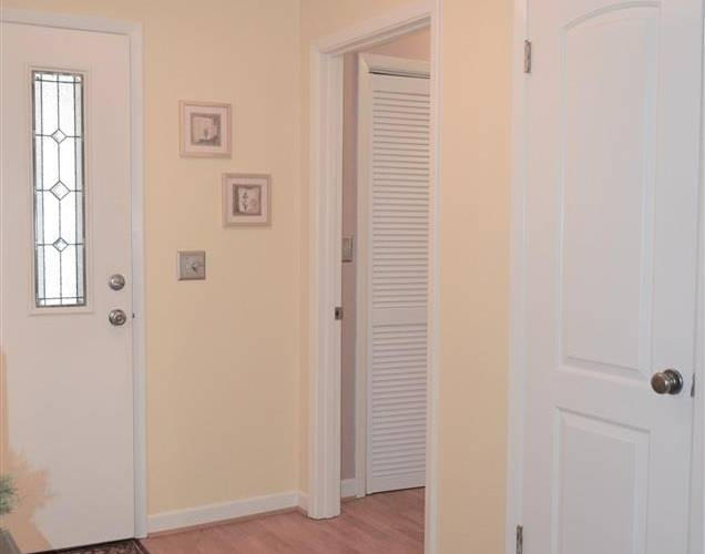 Picture 3 of 320 Skylark Circle