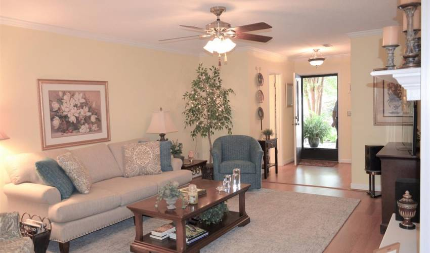 Picture 5 of 320 Skylark Circle
