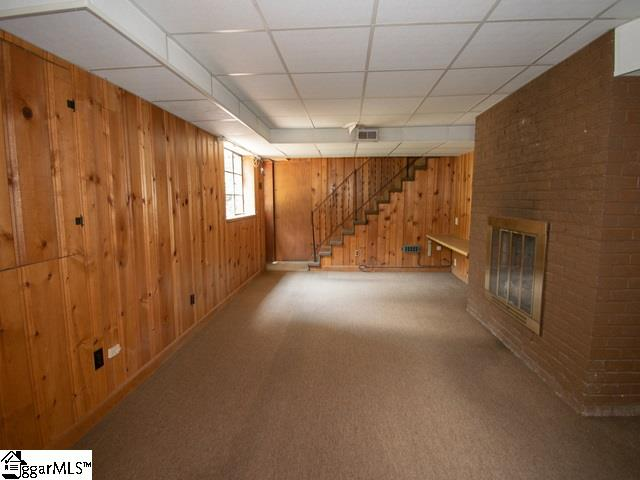 Picture 14 of 214 Holmes Drive