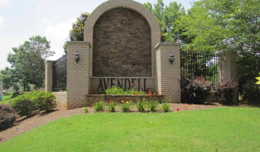Picture 33 of 325 Avendell Drive