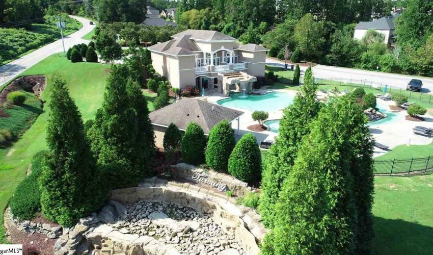 Picture 2 of 120 Tuscany Falls Drive